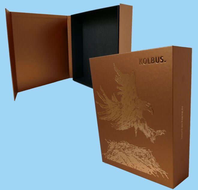 Magnet-Closure-rigid-box-2-luxury-packaging