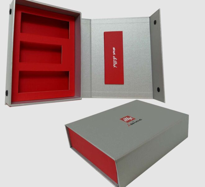 hinged-lid-ridgid-boxes-4-luxury-packaging